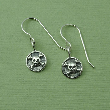 Skull Crossbones Earrings - sterling silver gothic earrings - skull jewelry