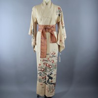 1940s Vintage Silk Kimono Robe in Ivory with an Art Deco Floral Print