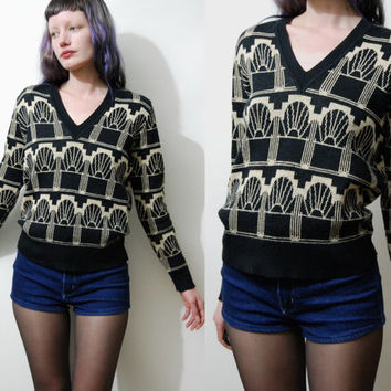 80s Vintage KNIT Sweater Geometric Pattern Graphic Print Knitted V-neck Black / Beige Wool Blend vtg 1980s Jumper XS S M