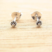 3 mm Tiny Gypsophila - Baby's Breath Flower Post Stud Earrings. 92.5% Sterling Silver. Cartilage/Lip/ Nose/ Earrings.Nickel free.