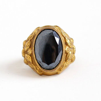 Vintage Art Deco Brass Simulated Hematite Flower Ring - 1930s Size 6 3/4 Gray Black Oval Glass Stone Repousse Floral Uncas Costume Jewelry