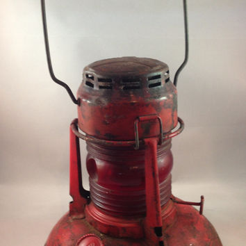 Antique Dietz USA Traffic Gard #40 Red Kerosene Lantern Lamp Light Glass Syracuse NY USA
