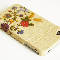 Vintage needle work print iPhone 4 case / Flowers iPhone 4s case/ iPhone case / Decoupage iphone case