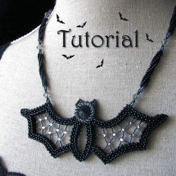 Tutorial for beadwoven necklace 'Blingy the Bat' - Halloween - PDF beading pattern - DIY