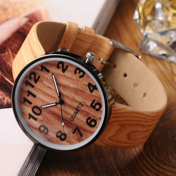 Men's PU Leather Quartz Wrist Watches.