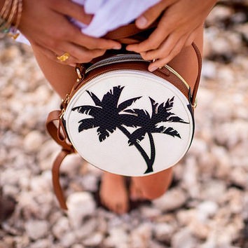 MUOLEA PALM BAG: luxe leather, beach luxe, palm tree, coconut, round bag, color block, palm tree bag, clutch, cross body bag, kamera, hawaii
