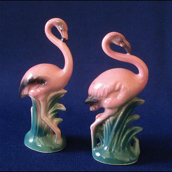 Kitchy Vintage Flamingo Salt & Pepper Shaker Set - Japan Kitsch