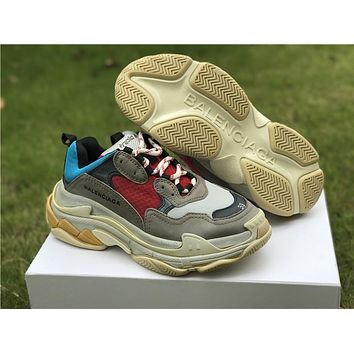 BALENCIAGA Triple S Men and Women Gray SNEAKER TRAINER Shoes
