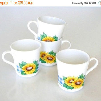 SALE Vintage Corning Coffee Mugs, White with Yellow Sunflowers, 1970s Corning Coffee Mugs Set.