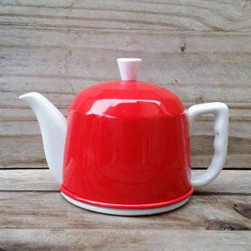 Porcelain White Teapot With Apple Red Cozy