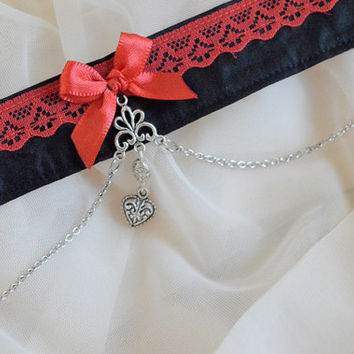 Vampire in love - Black and red dark gothic witch choker with heart pendant - lolita kitten pet play collar