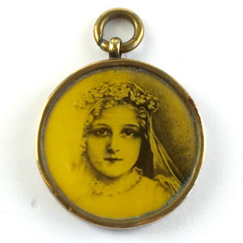Vintage Art Deco St Therese Of Lisieux Medal Antique Celluloid Religious Medal Catholic Charm Pendant Assemblage Jewelry Part Estate Jewelry