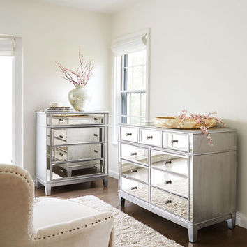 Hayworth Mirrored Silver Chest & Dresser Bedroom Set