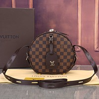 LV 2019 new classic old flower female small round bag shoulder bag Messenger bag Coffee check