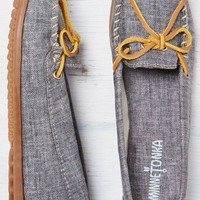 AEO Women's Minnetonka Canvas Boat Moccasin