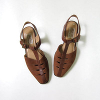 vintage brown suede sandals. t strap sandals. cut out leather shoes.