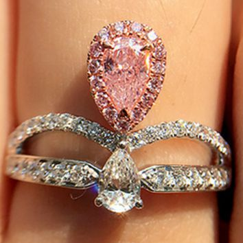 Tiffany gold rainbow jewelry lovers women's artificial color diamond nude diamond powder driller water drop micro-inlay a new crown diamond ring