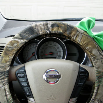 YOU CHOOSE BOW Mossy Oak Camouflage Steering Wheel Cover with Matching Bow