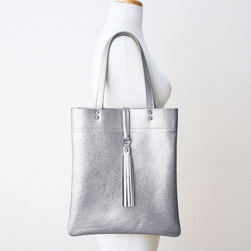 Metallic Silver Leather Tote with Tassel, Everyday Shoulder Bag, Minimal Leather Tote, Leather Shopper Tote
