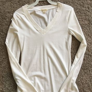 Basic white long sleeve shirt