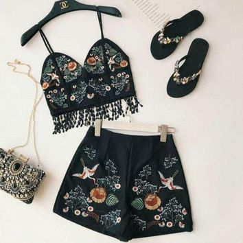 DCCKR2 Stylish Women Personality Embroider Flower Condole Belt Top + High Waist Embroider Short Pants Two Piece Black