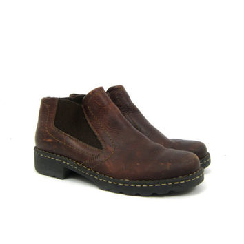 Brown Leather Boots Ankle Booties 90s Eastland Grunge Side Panel Pull On Chelsea Boots Hipster Preppy Shoes Vintage Women's 8.5