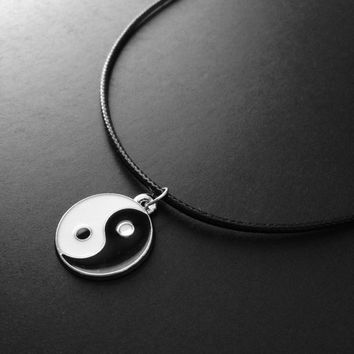 Yin Yang Choker, Yin Yang Necklace, 90s Choker, Grunge Jewelry, Black Choker, Yin and Yang, 90s Jewelry, Alternative Fashion, Tumblr