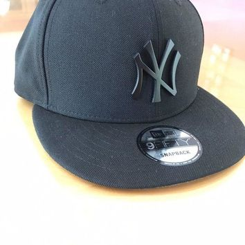 VONL8T New Era 59Fifty New York NY Yankees Game Snapback Hat (Black) MLB Cap