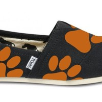 Black Ed Sheeran Paw TOMS from British Potential