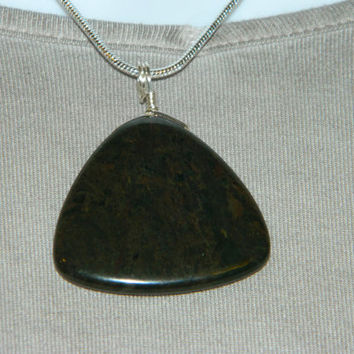 90ct. Black Stone, Semi Precious, Agate, Pendant, Necklace, Triangle, Natural Stone, 149-15