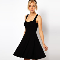 Black Sleeveless Sweetheart Neckline Casual Skater Dress