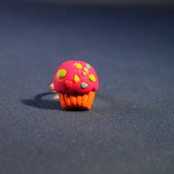 Handmade Polymer Clay Cupcake ring,  kawaii cookie jewelry, miniature dessert jewelry, realistic food jewelry
