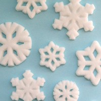Snowflake Edible Sugar Decorations to Decorate by sweetestelle