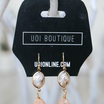 Chic & Shine Earrings - Peach