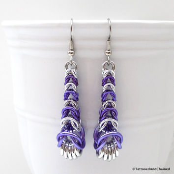 Purple chainmaille earrings, graduated box chain