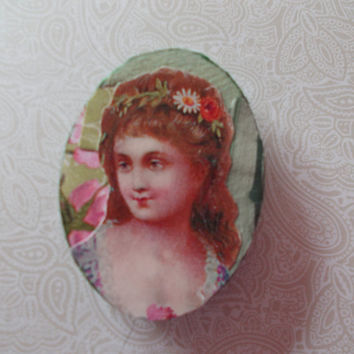 Small Green Fridge Magnet With Lovely Victorian Lady
