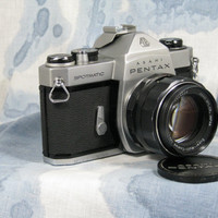 Pentax Asahi Spotmatic 35mm film camera c1964 with converter and close up lenses