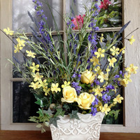 Spring Floral Table Decorations - Table Centerpieces - Home Decorations - Summer Floral Arrangement - Home Accents