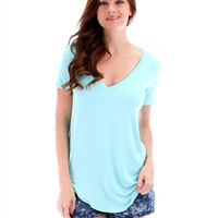 Women's Plus Size Mint Shirttail Hem Long V-Neck
