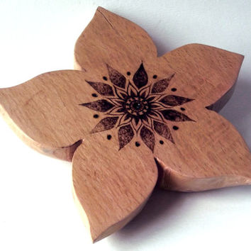 Carved Star Flower Incense holder in beech. Incense burner,ash catcher, witch, woodland art, altar incense, pagan, wicca, UK, wiccan gift