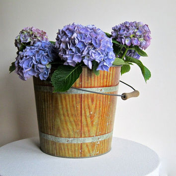 Grain Decorated Galvanized Metal Bucket - Industrial and Rustic Faux Bois