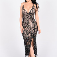Walk Out On You Dress - Black