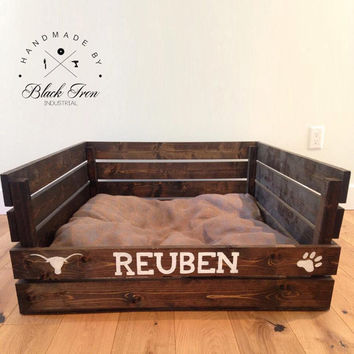 Wood Dog Bed, Pallet Cat Bed, Flippable Pet Bedding, Reclaimed Wood Dog Bedding, Personalized Cat Bed