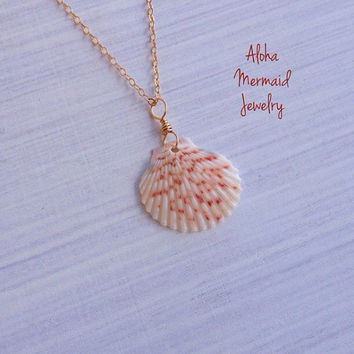 Scallop Shell Gold Necklace,Copper White Hawaiian Seashell,Gold Filled Wire Pendant,Handmade Hawaiian Shell Jewelry,Sunrise Scallop Shell