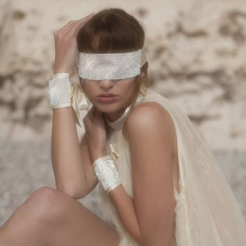 Star Of The Show Ivory Blindfold