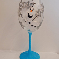 Large Olaf wine glass. Can be personalised and gift wrapped.