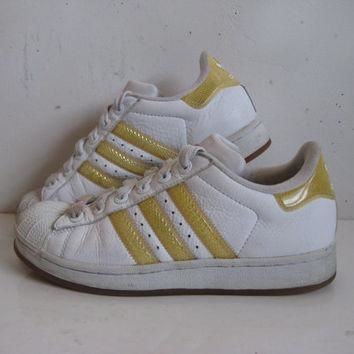 Vintage 1980s ADIDAS Sneakers White Homneycomb Hip Hop Rap Shell Toe 80s Trainers Wome