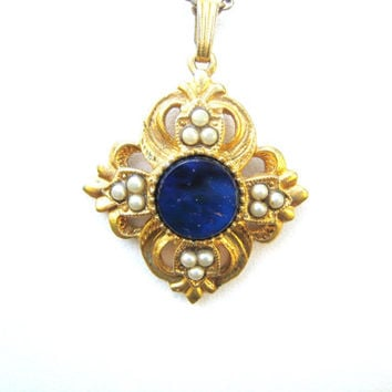 Avon pendant necklace Viennese Collection vintage 1979