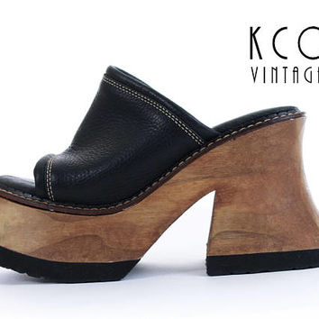 477a8230925 Platform Sandals 8   7.5 LONDON UNDERGROUND Shoes 90s Platforms. KCO Vintage