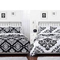 Black & White Damask Reversible Twin Size Comforter & Sham Set